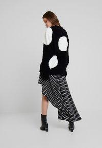Nudie Jeans - HAMPUS - Sweter - black - 2