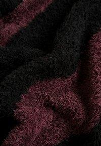Nudie Jeans - HAMPUS - Jumper - black/bordeaux - 4