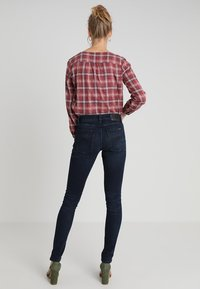 Nudie Jeans - TIGHT TERRY - Jeansy Slim Fit - worn indigo - 2