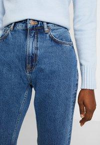 Nudie Jeans - BREEZY BRITT - Straight leg -farkut - friendly blue - 3