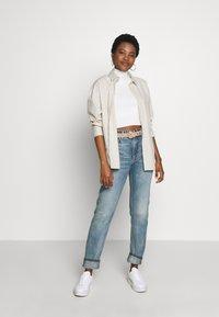 Nudie Jeans - BREEZY BRITT - Straight leg -farkut - springtime - 1