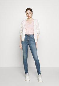 Nudie Jeans - HIGHTOP TILDE - Skinny džíny - blue denim - 1