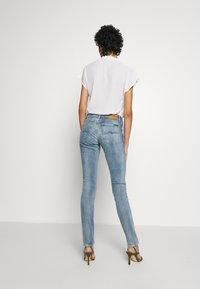 Nudie Jeans - LIN - Skinny-Farkut - indigo victim - 2