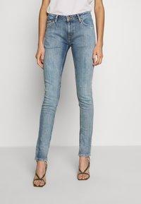 Nudie Jeans - LIN - Skinny-Farkut - indigo victim - 0