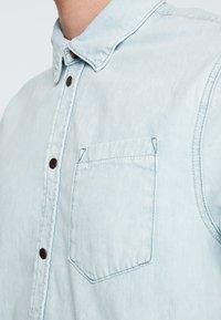 Nudie Jeans - HENRIK - Koszula - light shade - 5