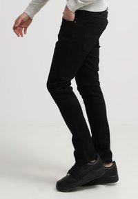 Nudie Jeans - LEAN DEAN - Slim fit jeans - dry cold black - 2