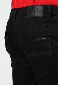 Nudie Jeans - DUDE DAN - Straight leg -farkut - dry ever black - 4