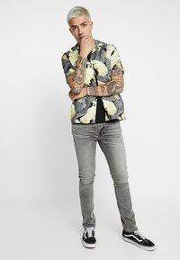 Nudie Jeans - LEAN DEAN - Džíny Slim Fit - vintage grey - 1