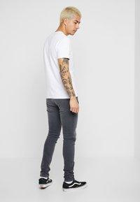 Nudie Jeans - LIN - Skinny džíny - concrete grey - 2
