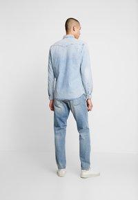 Nudie Jeans - STEADY EDDIE - Relaxed fit -farkut - favorite worn - 2