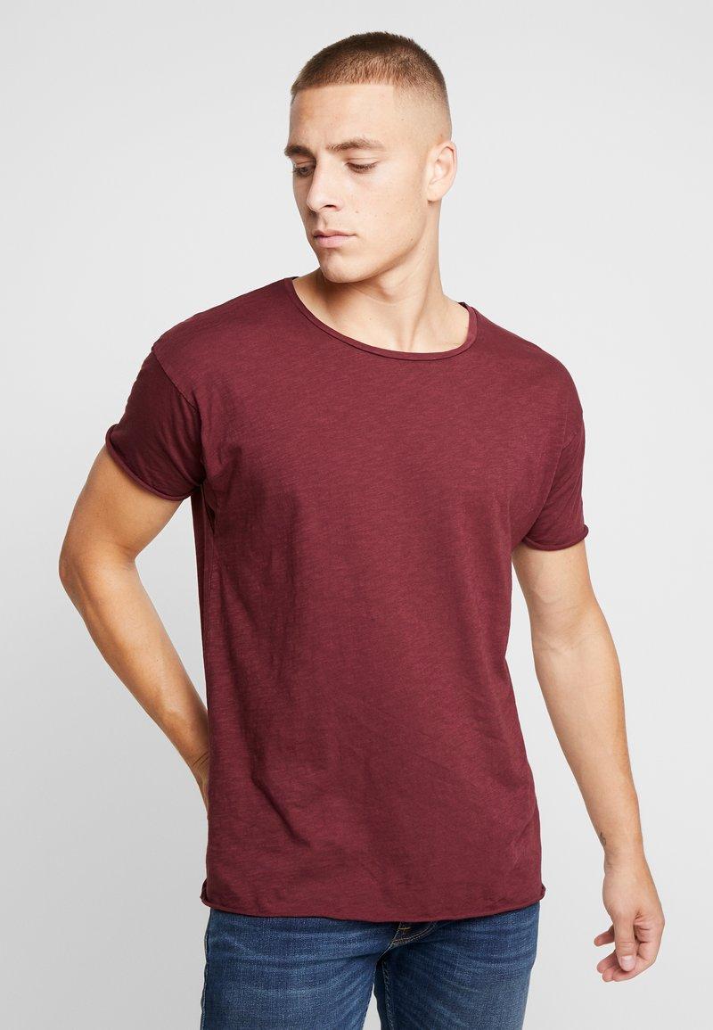 Nudie Jeans - ROGER - T-shirt basic - bordeaux