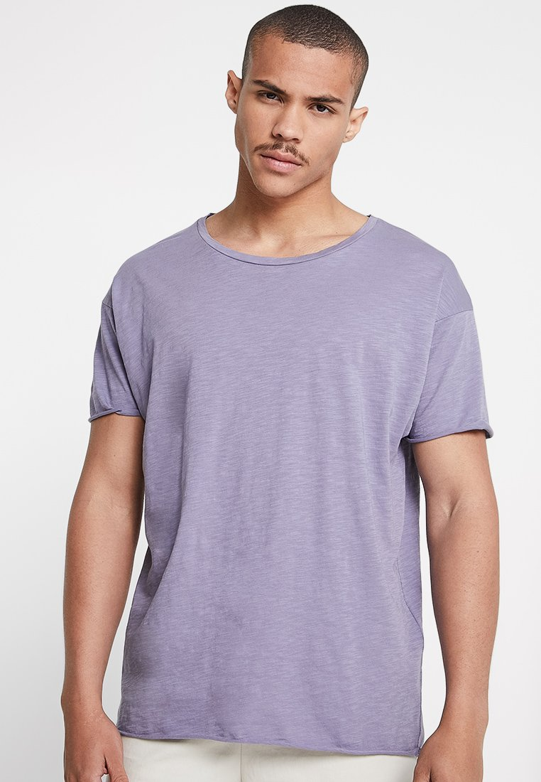 Nudie Jeans - ROGER - Basic T-shirt - lilac