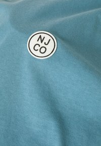 Nudie Jeans - UNO - Jednoduché triko - petrol blue - 2