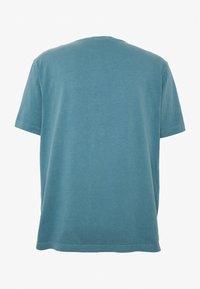 Nudie Jeans - UNO - Jednoduché triko - petrol blue - 1