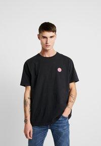 Nudie Jeans - UNO - T-paita - black - 0
