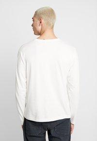 Nudie Jeans - RUDI - Long sleeved top - powder - 2
