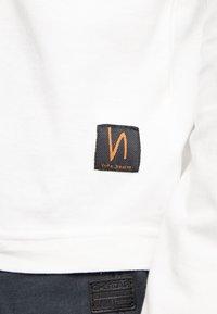 Nudie Jeans - RUDI - Long sleeved top - powder - 5