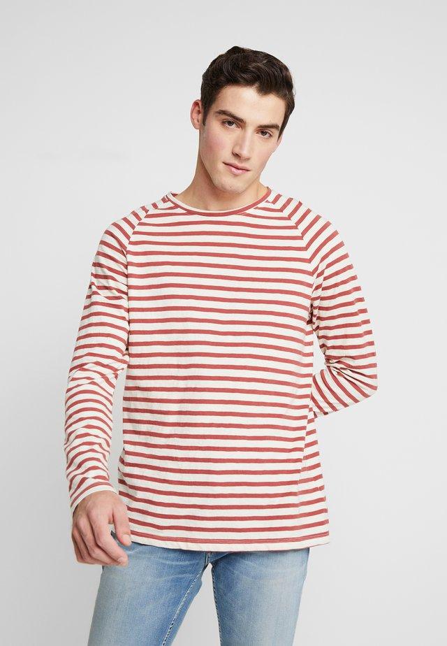 Langærmede T-shirts - egg white/dusty red