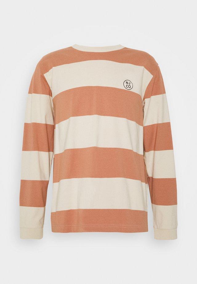 RUDI - Langærmede T-shirts - apricot