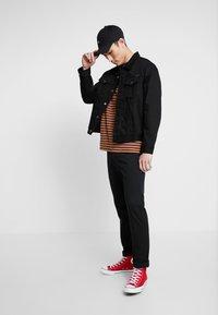 Nudie Jeans - JERRY - Denim jacket - dry black - 1