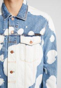 Nudie Jeans - JERRY - Džínová bunda - tye dye - 6