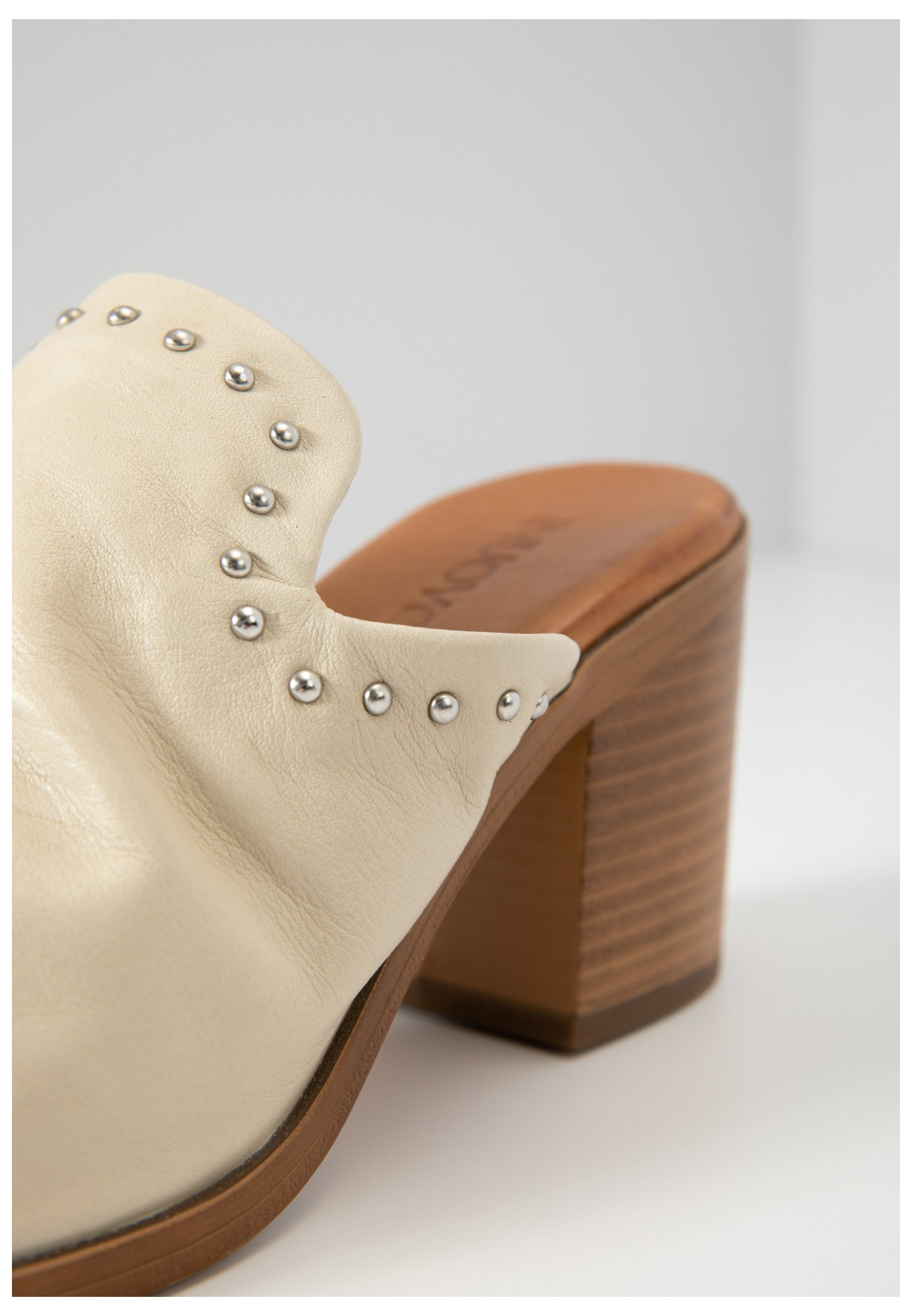 Inuovo Sandaler - bone bne