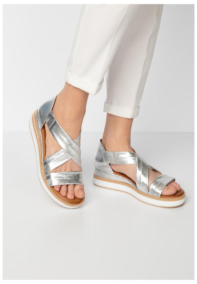 Sandales à plateforme - silver slv