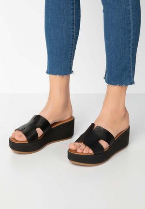 Heeled mules - black blk