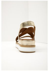 Inuovo - Plateausandalette - gold gld - 3