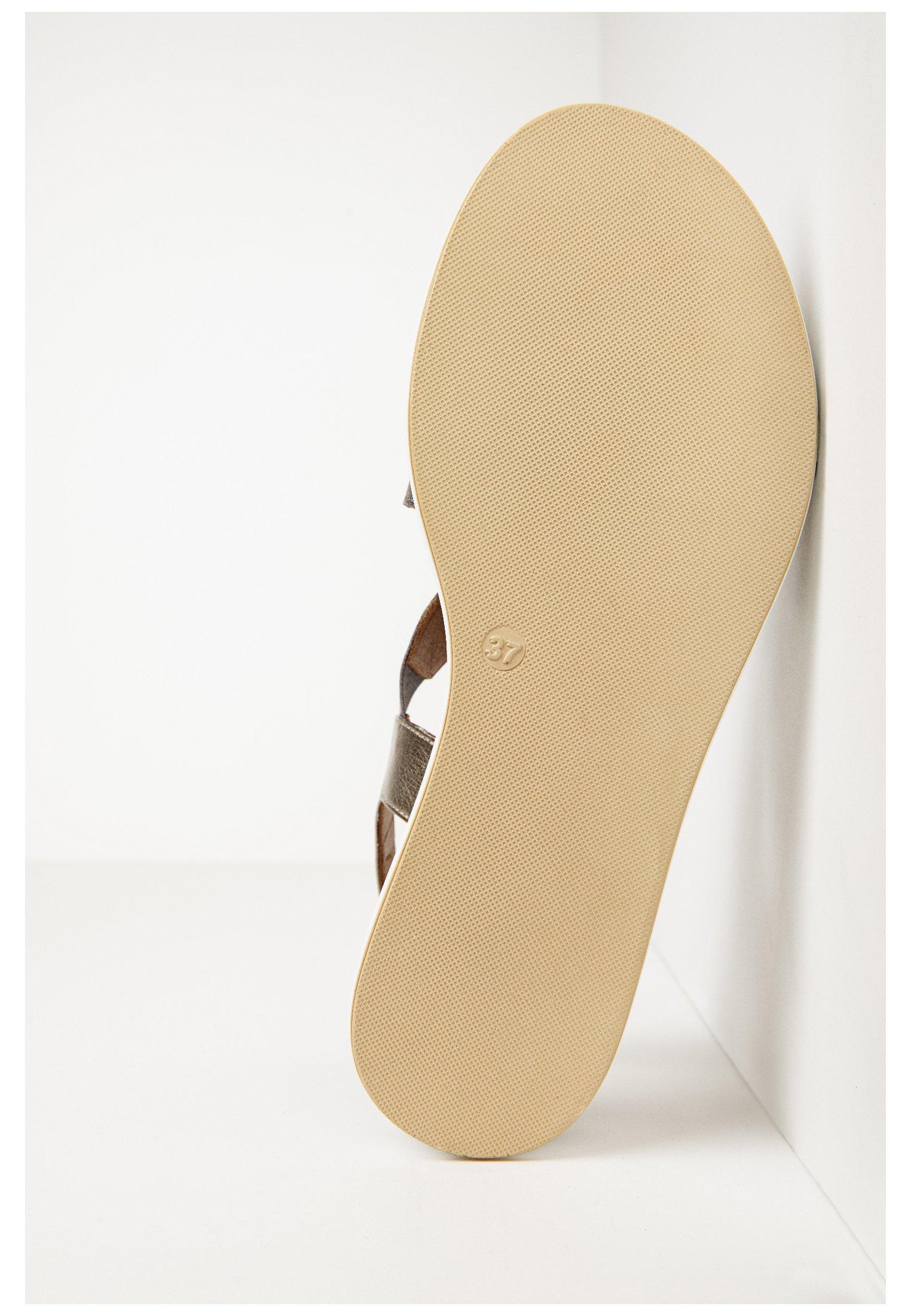 Inuovo Sandalen Met Plateauzool - Brown Goedkope Schoenen