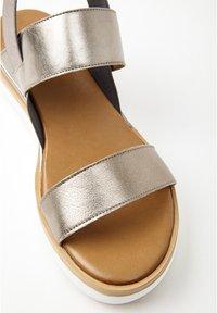 Inuovo - Platform sandals - pewter pwt - 6