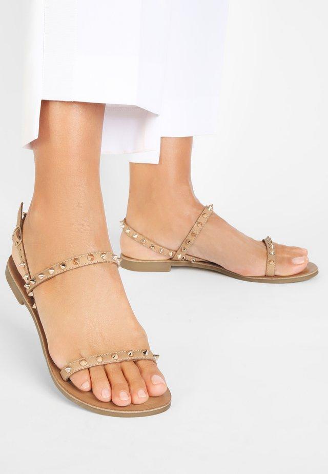 Sandały - scissors scs