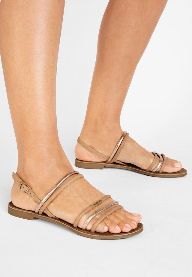 Sandals - scissors scs