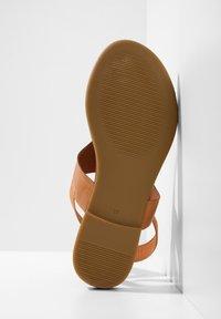 Inuovo - T-bar sandals - coconut ccn - 6