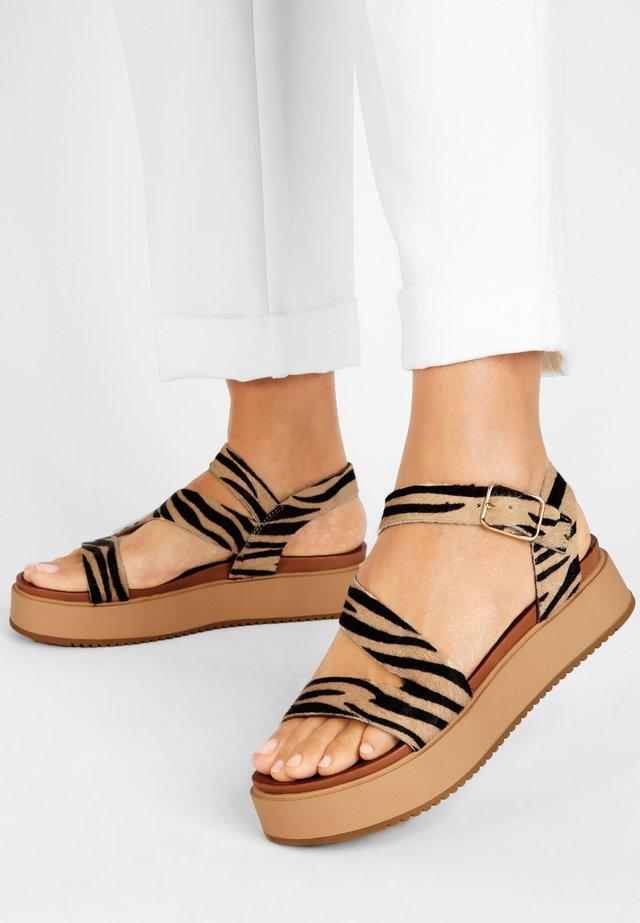 Sandalen met plateauzool - tiger tgr