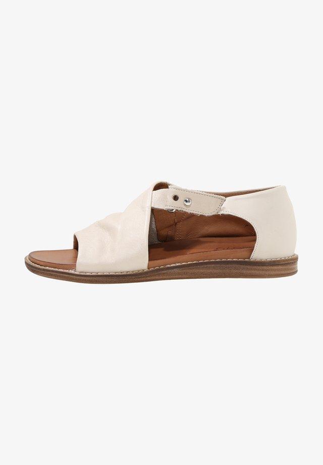 Sandals - bone bne