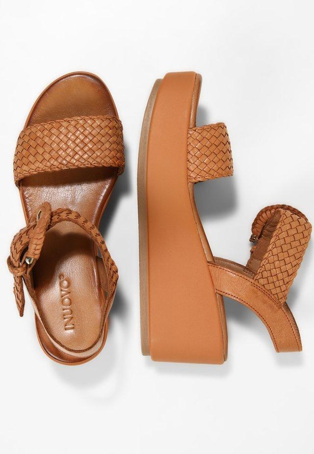 Sandales à plateforme - coconut ccn