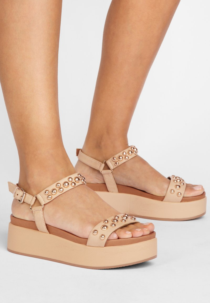 Inuovo - Platform sandals - scissors scs