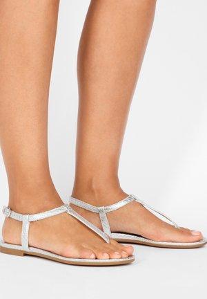 Sandaler m/ tåsplit - silver slv