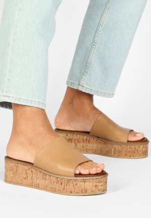 Heeled mules - light brown