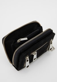 Núnoo - NEW SUEDE - Wallet - black - 5