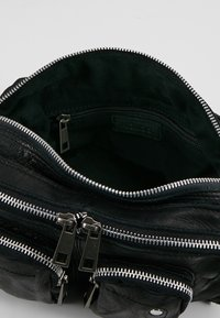 Núnoo - ELLIE WASHED - Handbag - black - 4