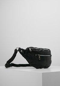 Núnoo - ALBERTE WASHED - Bum bag - black - 3