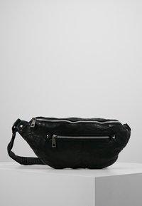 Núnoo - ALBERTE WASHED - Bum bag - black - 0
