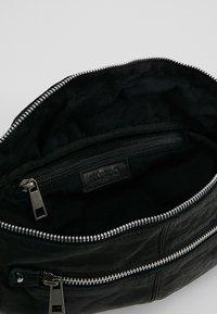 Núnoo - ALBERTE WASHED - Bum bag - black - 4