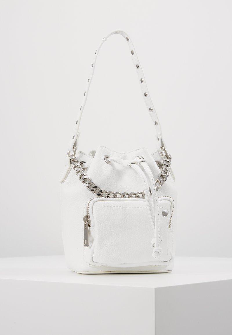 Núnoo - GINA - Håndtasker - white