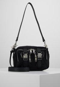 Núnoo - ELLIE - Across body bag - black - 0