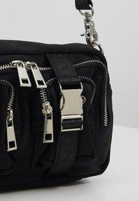 Núnoo - ELLIE - Across body bag - black - 6