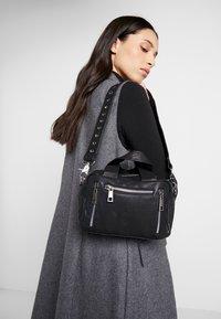 Núnoo - MINI DONNA - Handbag - black - 1