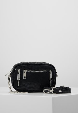 BRENDA - Across body bag - black